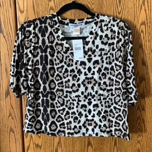 Cropped leopard print top